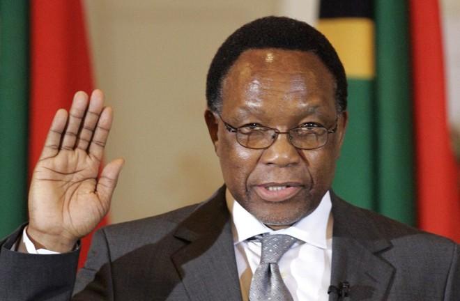Crise desde o fim do apartheid culminou com a renúncia de Mbeki: Motlanthe foi eleito em votação secreta e mandato dura até a eleição geral em 2009 | Mike Hutchings / Reuters