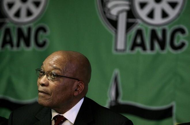 Nome do sucessor interino de Mbeki (foto) não foi indicado, mas nome que ganha força é do seu vice-presidente, Kgalema Motlanthe | Siphiwe Sibeko / Reuters