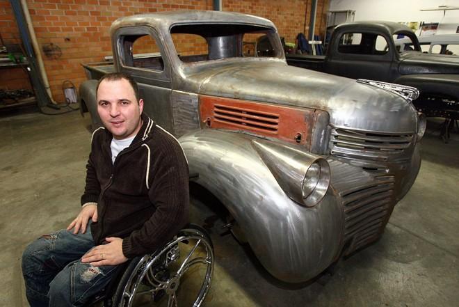 A picape Dodge 1947 de Reginaldo Cavassin levará dois anos para ficar adaptada | Priscila Forone/Gazeta do Povo