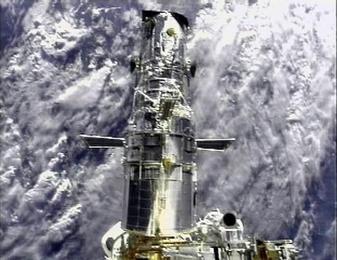Hubble foi desativado por falha em computador que transmite imagens para a Terra | NASA / Reuters