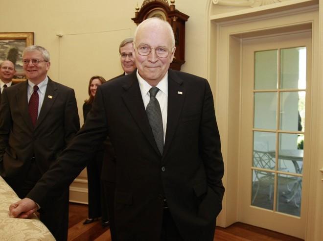 Problema cardíaco levou Cheney a cancelar atividades de campanha em Illinois | Jason Reed / Reuters
