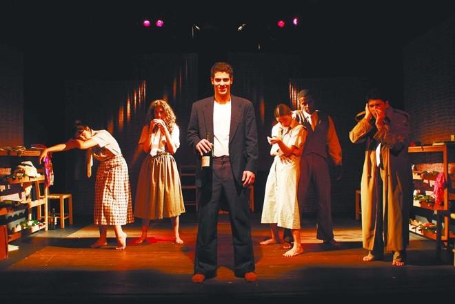 Sacha Bali interpreta Bukowski dos 2 aos 19 anos | Divulgação