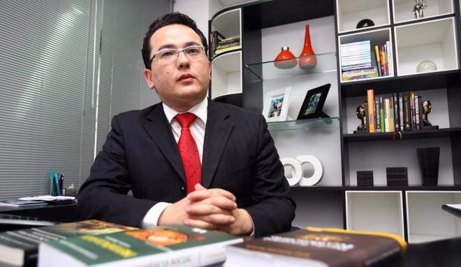 Mário Miyasaki, da Adec, diz que com nova perícia casos são revertidos nos tribunais. | Hedeson alves/Gazeta do Povo