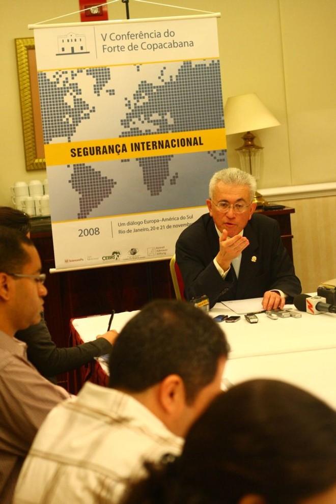 Para o ministro Mangabeira Unger, somente o desenvolvimento da Amazônia permitirá controlar o tráfico nas fronteiras | Carlos Leandro/Divulgação