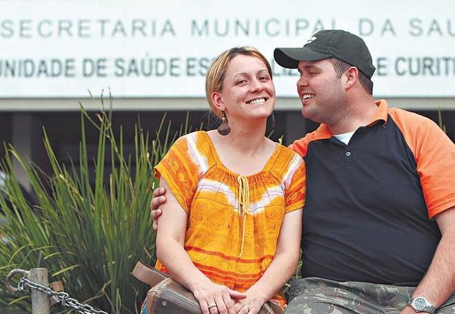 Daniele e Rafael Fagundes precisaram lidar com o desemprego quando nasceu o primeiro filho; agora, esperam o segundo | Albari Rosa/Gazeta do Povo