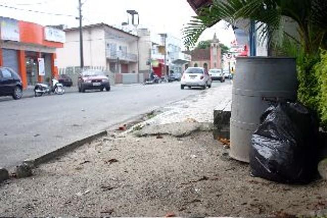 Licitação do governo do estado definirá coleta de lixo na temporada | Hedeson alves/Gazeta do Povo