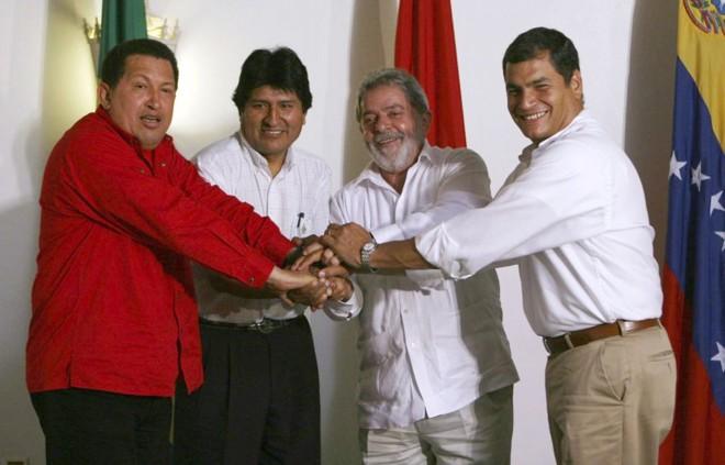 Foto do encontro entre Chávez, Morales, Lula e Correa, em Manaus, em setembro: tensão com os vizinhos aumentou nos últimos meses | Reuters