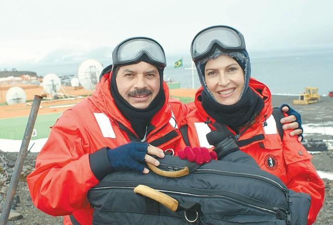 Divonsir Gonçalves e Cristina Graeml: equipe fez parte do grupo de jornalistas que esteve na Antártica no fim de novembro |