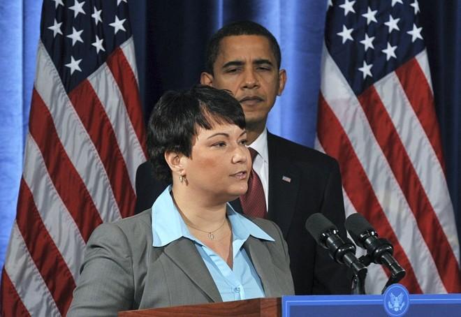 Lisa Jackson fala para a imprensa após ser nomeada por Obama   Stephen J. Carrera / Reuters