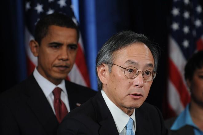 Steven Chu é nomeado por Obama: defensor das energias alternativas e renováveis | Nicholas Kamm / AFP PHOTO