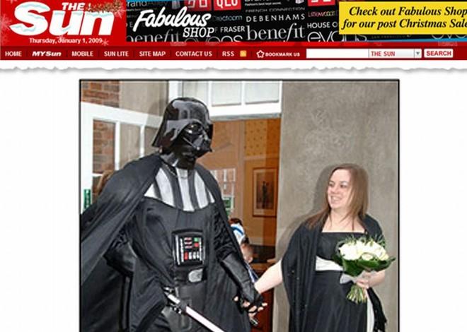 Graham Curson usou fantasia de Darth Vader em seu casamento   Reprodução / The Sun
