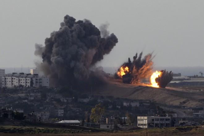 Sete dias depois do início dos ataques, Israel continua a bombardear regiões da Faixa de Gaza | Baz Ratner / Reuters