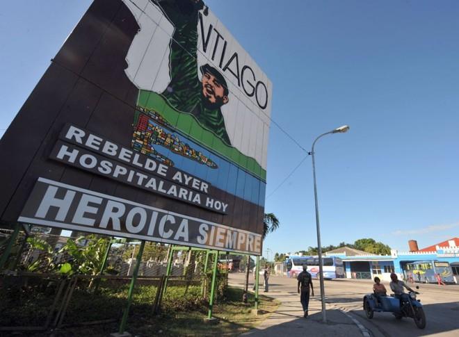 Propaganda da revolução em Santiago de Cuba, cidade-palco das comemorações da conquista comunista | Rodrigo Arangua/AFP