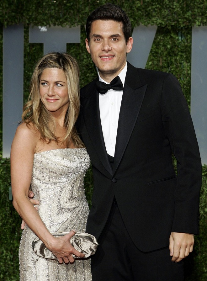 Jennifer Aniston estava acompanhada de John Mayer na festa do Oscar 2009 | Reuters/Danny Moloshok