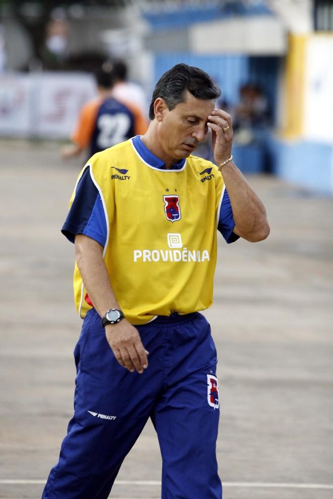 Comelli não resistiu à pressão e pediu demissão | Gilberto Abelha / JL
