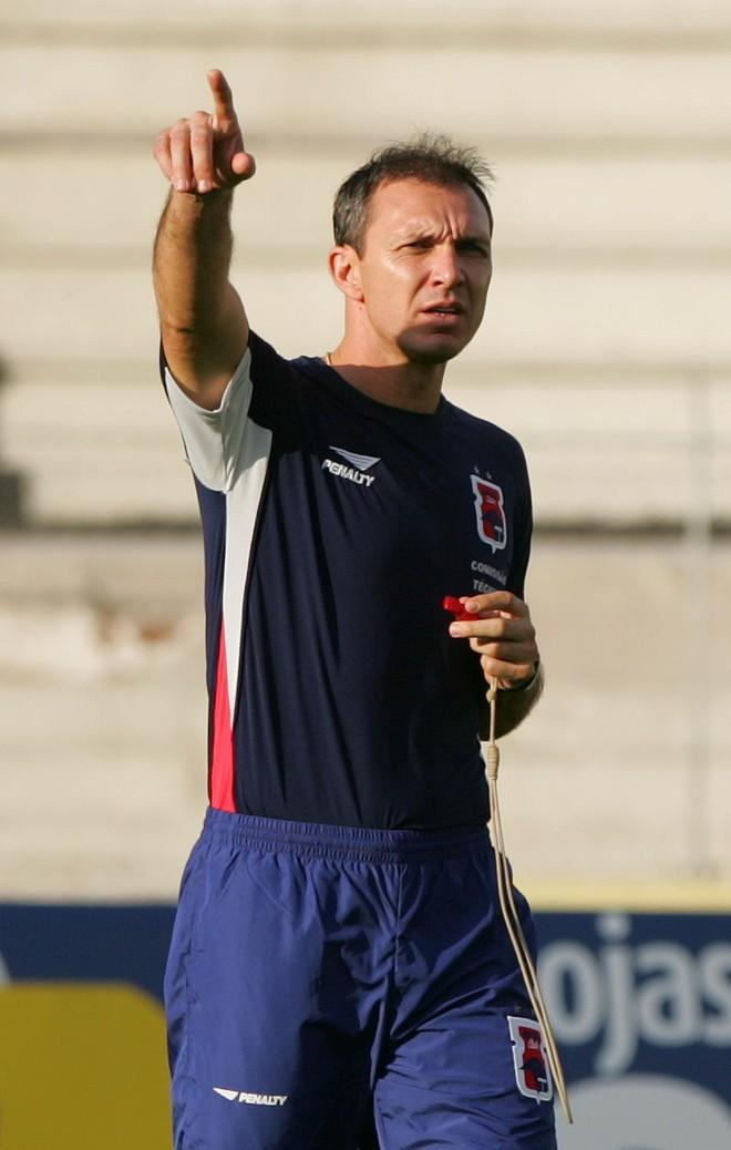Velloso reclamou da decisão, mas, afirmou que o tricolor tem plenas condições de brigar pelo título | Daniel Castellano / Gazeta do Povo