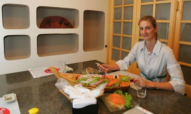 Dagmar almoça fora nos dias de semana e compra comida para comer em casa, no fim de semana | Pedro Serápio/Gazeta do Povo