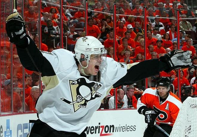 Evgeni Malkin foi uma das peças decisivas da vitória dos Penguins fora de casa | Jim McIsaac / Getty Images / NHL