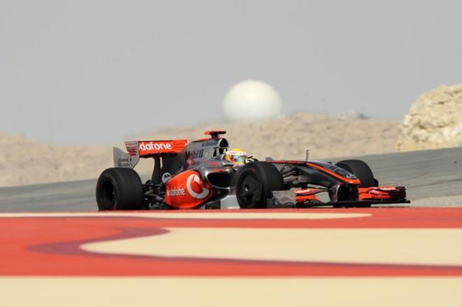 Lewis Hamilton somou quatro pontos até agora, um coadjuvante à frente da McLaren | Bertrand Guay/AFP