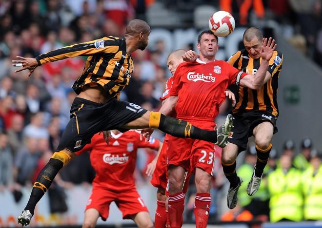 Liverpool conseguiu bater Hull City por 3 a 1 e assumiu a ponta do Campeonato Inglês | Paul Ellis / AFP