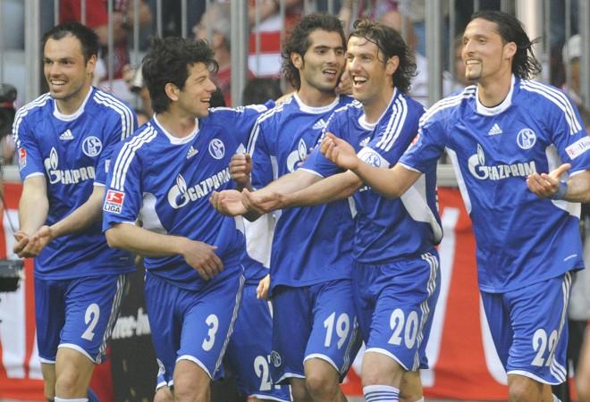 Schalke bateu Bayern e time de Munique ficou mais distante do título na Alemanha   Oliver Lang / AFP