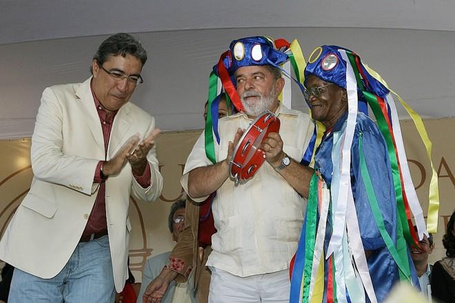 O governador de Sergipe, Marcelo Déda e o presidente Luiz Inácio Lula da Silva participam da cerimônia de inauguração das obra de recuperação em prédios do Quarteirão dos Trapiches   Domingos Tadeu/Presidência