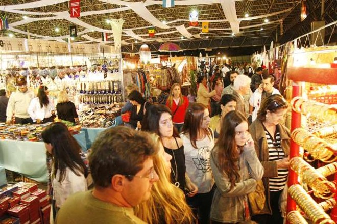 A Feira Nacional e Internacional de Artesanato reúne 32 expositores de outros países, como Índia e Turquia | André Renato/PMM