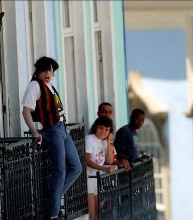 Michael Jackson durante gravação de videoclipe no Pelourinho, em 1996 |