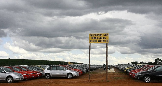 Pátio da Fiat na região metropolitana de Belo Horizonte: estoques ainda garantem 18 dias de vendas | Jaja Carneiro/Reuters