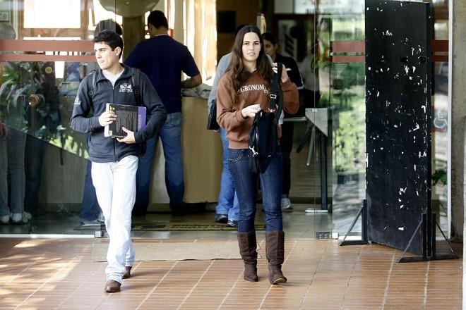 Com a paralisação provocada pela gripe suína, semestre letivo na UEL só terminará em 16 de julho | Gilberto Abelha/Jornal de Londrina