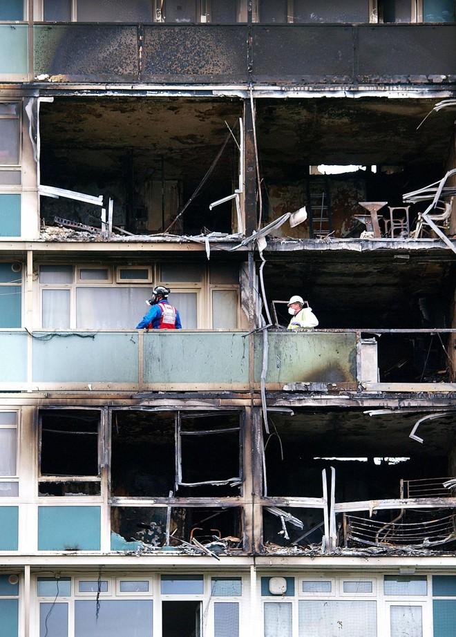 Os destroços: edifício da década de 60 não era considerado seguro | Max Nash/AFP