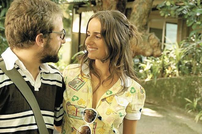 O fim da relação entre o jovem casal de protagonistas do longa-metragem é o fio condutor da trama | Divulgação