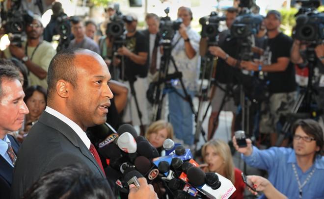 Advogado da família Jackson, Londell McMillan, diz que juiz do Tribuinal Superior de Los Angeles manteve decisão do testamento |