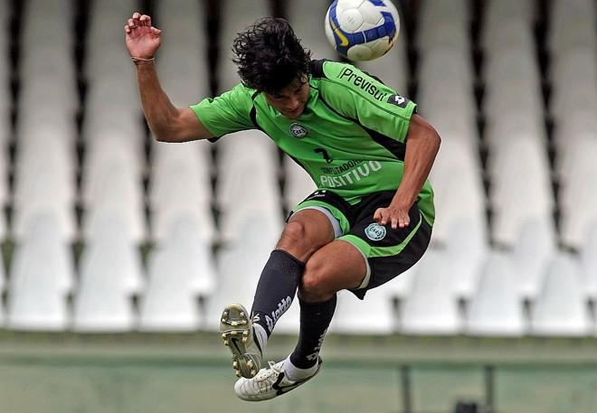 Pedro Ken é o recordista de desarmes: em oito partidas, 20 vezes | Albari Rosa/Gazeta do Povo