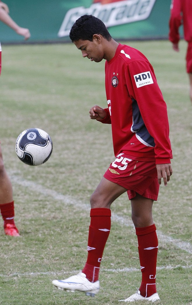 Wallyson aposta na melhora ofensiva do Atlético com chegada de Alex Mineiro | Pedro Serápio / Gazeta do Povo