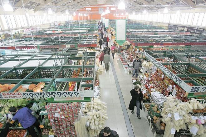 Itens de segurança do Mercado serão refeitos, mas usuários não correm riscos | Ivonaldo Alexandre/Gazeta do Povo