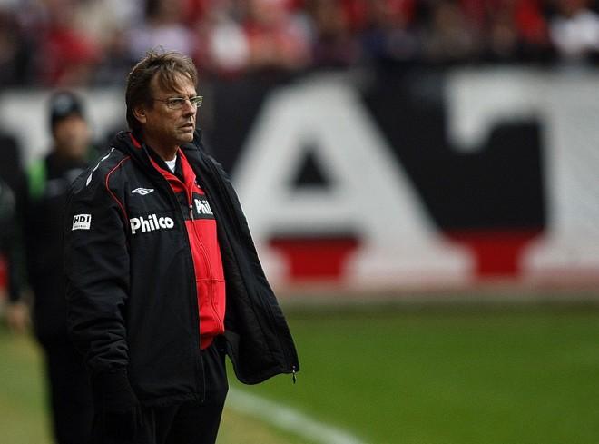 Waldemar Lemos terá já a partir de amanhã o reforço de Alex Mineiro, mas provavelmente perderá Rafael Santos nesta semana | Rodolfo Bührer/Gazeta do Povo