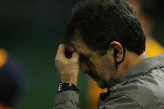 René Simões encerra com derrota sua segunda passagem pelo Coritiba | Jonathan Campos/Gazeta do Povo