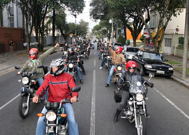 O protesto contribuiu para piorar o já congestionado trânsito da capital na véspera do feriadão | Hedeson Alves