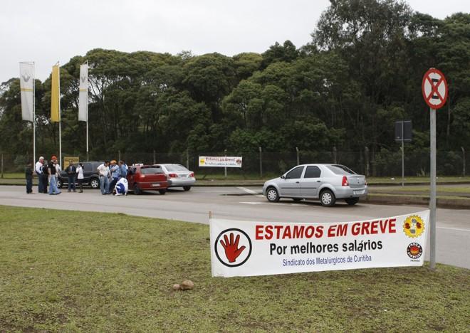 O sindicato pede um reajuste de aproximadamente 11%, abono salarial de R$ 2 mil em setembro | Aniele Nascimento - Gazeta do Povo