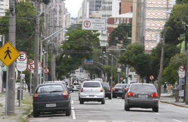 Rua Vicente Machado: aluguel comercial ultrapassa R$ 20 o metro quadrado  