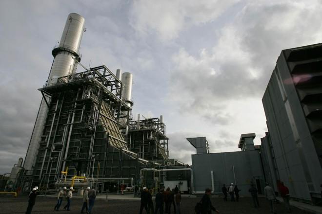 A refinaria está recebendo R$ 9 bilhões em investimentos até o fim de 2012 | Ivonaldo Alexandre/Gazeta do Povo