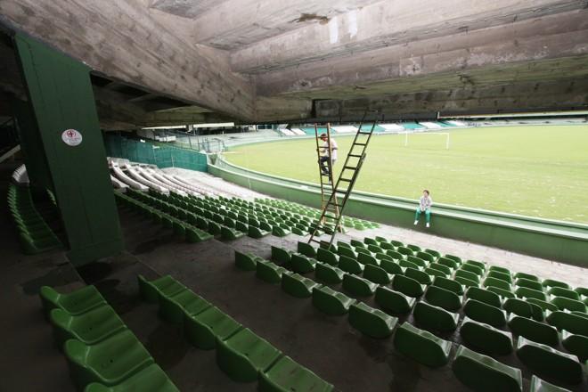 O Estádio Couto Pereira ainda aguarda a liberação do STJD para voltar a receber os jogos do Campeonato Paranaense. | Giuliano Gomes/ Gazeta do Povo