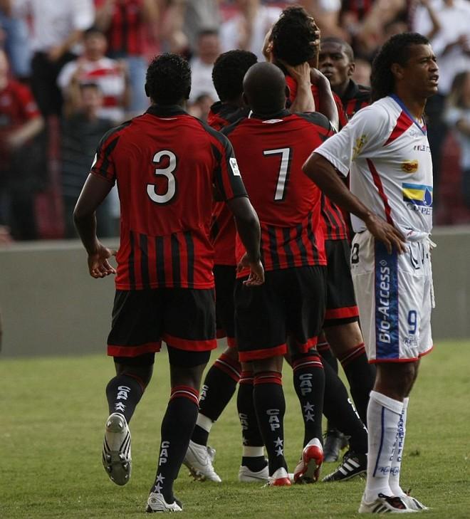 Tico Mineiro fez apenas um gol (de pênalti, contra o Paraná) e já deu adeus ao Cianorte | Antonio Costa/Gazeta do Povo
