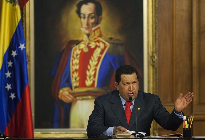 Presidente hugo Chávez discursa no Palácio Miraflores, em Caracas   Reuters
