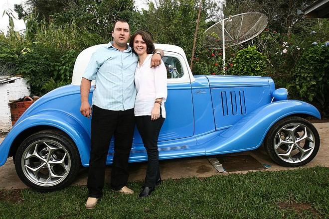 O casal foi sorteado com o calhambeque graças a uma lata de leite condensado | Henry Milléo/ Gazeta do Povo