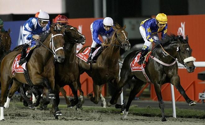 Cavalo paranaense montado por jóquei gaúcho vence a Copa do Mundo de Dubai | Karim Sahib/AFP