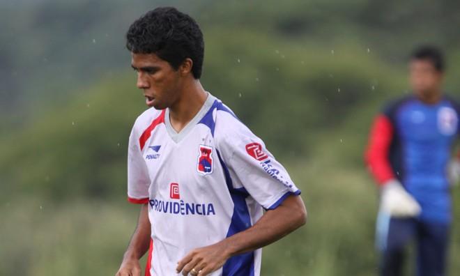 Volante Chicão, que já atuou como zagueiro, é um dos destaques da defensiva paranista | Giuliano Gomes/ Agência de Notícias Gazeta do Povo