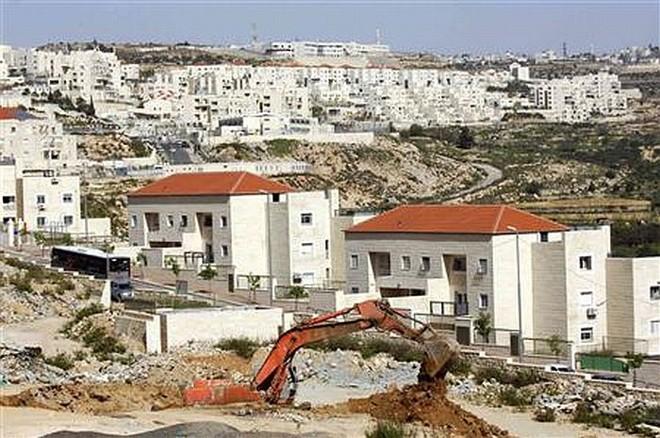 Expansão dos assentamentos judeus na Cisjordânia é um dos entraves nas negociações de paz com palestinos   Reuters