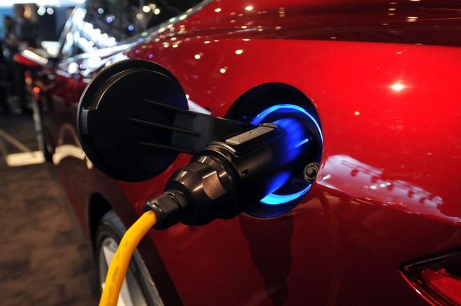 A Ford irá lançar cinco modelos de carros elétricos até 2013, começando com o Transit Connect Electric no final deste ano | AFP